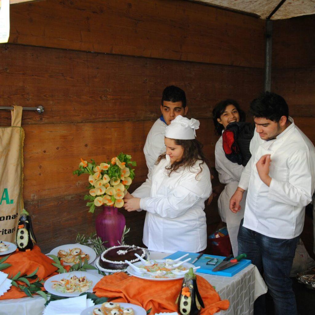 NICOSIA | Gli studenti del Quasimodo protagonisti della Sagra dell'Olio